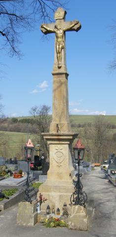 Hřbitovní kříž