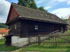 Pivečkova dřevěnice (čp. 7)