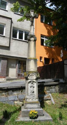 Kříž podnáměstím (ulice Čs. armády)